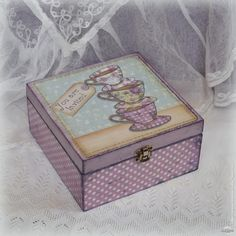 Handmade Home Decor Decoupage Vintage, Decoupage Box, Wood Home Decor, Diy Home Decor Projects, Handmade Home Decor, Country Interior Design, Altered Boxes, Do It Yourself Crafts, Vintage Box
