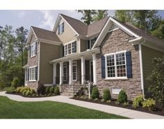 How to Match Your Roof & the Exterior Colors of Your House Front Yard Walkway, Front Porch, Construction Contractors, Stone Siding, Rock Siding, Home Improvement Contractors, Western Red Cedar, Building A New Home, Exterior Colors