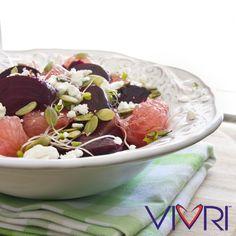 Citrus Beet Salad 5 remolachas medianas, sin tallos, 1 cda. aceite de oliva, 1 cdta. vinagre balsámico, 1 toronja pelada, 1 taza de germinado, ¼ taza de semillas de calabaza, ¼ taza de queso de cabra desmenuzado