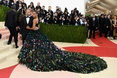 Met Gala 2016: Best Dressed Celebrities #whatisthemetgala #metgaladresses #beyoncemetgala kim kardashian met gala, met gala, Metropolitan Museum of Art | See more at https://brabbu.com/blog/2016/05/met-gala-2016-best-dressed-celebrities