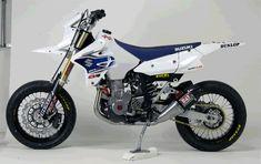 Yoshimura DRZ400SM Dirt Bike Gear, Dirt Bikes, Drz400 Supermoto, Tron Light Cycle, Sports Mix, Stunt Bike, Disney Secrets, Suzuki Motorcycle, Dual Sport
