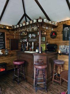 Diy Home Bar, Home Pub, Bars For Home, Bar Interior, Restaurant Interior Design, Modern Restaurant, Interior Garden, Pub Design, Mini Bars