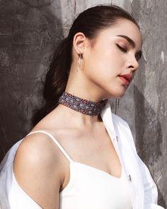 Urassaya sperbund❤️❤️❤️❤️ Asian Woman, Asian Girl, Celebrity Wallpapers, Girl Inspiration, Celebrity Makeup, Everyday Dresses, Cute Faces, Cut And Style, Gorgeous Women