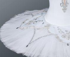 classical professional ballet tutu snow queen - Google Search Dance Costumes Ballet, Ballet Tutu, Ballerina, Snow Queen Costume, Nutcracker Costumes, Swans, Costume Ideas, Alice, Design