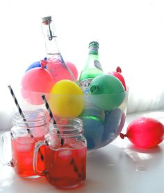 Me Mudei, e agora!? | DIY: Gelo de Bexiga  Libera um espacinho no congelador que nesse carnaval vai ter gelo criativo e reutilizável, feito com bolas de aniversário coloridas