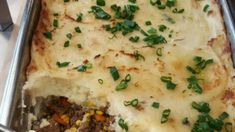 Elk Shepherd's Pie This a savory dish filled with ground elk, an array of vegetables, and delicious mashed potatoes. Casserole Recipes, Meat Recipes, Real Food Recipes, Dinner Recipes, Meat Meals, Ground Elk Recipes, How To Cook Fish, Fake Food, Savoury Dishes