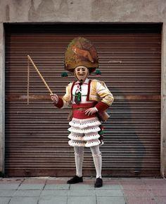 Los disfraces que llevan en Ourense en carnaval acojonan bastante | VICE España