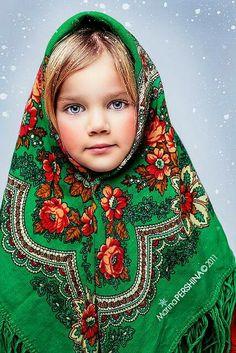'Matryoshka' Girl - Russia - By Marina Pershina Precious Children, Beautiful Children, Beautiful Babies, Beautiful Eyes, Beautiful World, Beautiful People, Kids Around The World, People Around The World, Costume Ethnique