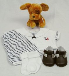 Cute gift for baby, ideal to give a new baby at birth. Box Includes: Knitted outfit or Sailors Outfit Shoes to match Socks Toy sheep Personalised Gift Card Box with Ribbon Box by little baby boxes Cute Gifts, Baby Gifts, Ribbon Box, Personalized Gift Cards, Sailor Outfits, Gift Card Boxes, Sock Toys, Baby Box, Little Babies