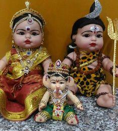 Indian dressed DOlls.......