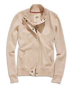 Elegant casualwear is easy with this stylish jacket that fits to the body's natural contours like a dream. Finely crafted from breathable cotton-blend fabric and with a just-right length, this soft, stretchy option is the ideal weekend wardrobe addition.