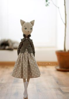 wip 🐾 I started this about a week ago. I am a cat person (I have and I was curious to see how my doll pattern would PDF sewing pattern for Blank Cat Doll for crafting 37 Linen art dolls by TanushkaToyTreasure Tatiana Emelyanova - Diy And Home Doll Patterns Free, Doll Sewing Patterns, Doll Dress Patterns, Sewing Toys, Pattern Dress, Fabric Doll Pattern, Diy Y Manualidades, Fabric Toys, Paper Toys