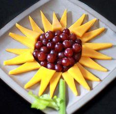 Girasol con uvas y queso