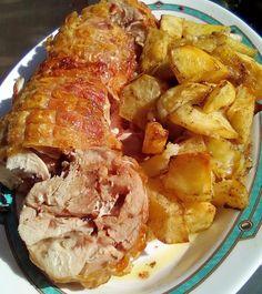 Ρολό κοτόπουλο στην γάστρα με πατάτες !!! ~ ΜΑΓΕΙΡΙΚΗ ΚΑΙ ΣΥΝΤΑΓΕΣ 2 Greek Cooking, Greek Recipes, Food And Drink, Pork, Cooking Recipes, Chicken, Meat, Drinks, Foods