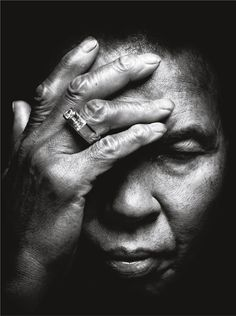 Photograph of Muhammad Ali by Platon.