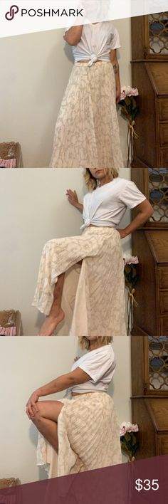 7acd097fc4 Creme floral pleated maxi skirt Banana Republic Super pretty creme floral  pleated maxi skirt by banana