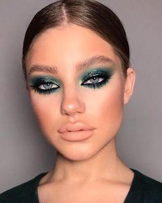 Makeup Eye Looks, Creative Makeup Looks, Soft Makeup, Kiss Makeup, Glam Makeup, Simple Makeup, Makeup Inspo, Eyeshadow Makeup, Makeup Inspiration