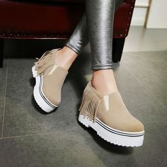 Heels: approx 4.5 cm Platform: approx 4 cm Color: Beige, Red, Black Size: US 3, 4, 5, 6, 7, 8, 9, 10, 11, 12 (All Measurement In Cm And Please Note 1cm=0.39inch) Note:Use Size Us 5 As Measurement Stan