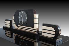 Streamlined machine age/deco clock, 1930s/40s