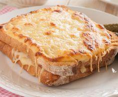 Amener l'ambiance des bistrots français dans le confort de votre maison avec cette recette super facile et délicieuse de Croque Monsieur!
