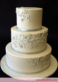 Silver White And Red Wedding Cakes | Anne Heap Winter Themed Wedding Cakes All Wedding Cakes Baked in