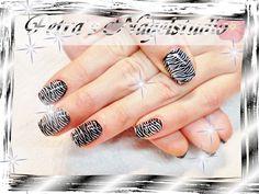Nageldesign / Nails im Zebra-Look