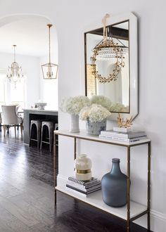 5 Steps to a Successful Living Room Makeover using gold accents. 5 Steps to a Successful Living Room Makeover using gold accents. Diy Interior, Living Room Interior, Home Living Room, Living Room Furniture, Living Room Designs, Home Furniture, Interior Design, Dark Floor Living Room, Living Room Accents