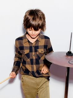 Discover the new ZARA collection online. The latest trends for Woman, Man, Kids and next season's ad campaigns. Zara Kids, Beautiful Children, Beautiful Boys, Baby Boy Outfits, Kids Outfits, Young Cute Boys, Kids Fashion Boy, Modern Kids, Boy Hairstyles