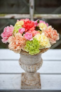 FLOWERS by titti & ingrid - Krusiga Nejlikor. Styling and photography © Titti Malmberg for HWIT BLOGG