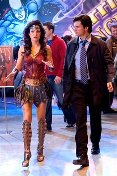 Lois Lane (Erica Durance) and Clark Kent in Smallville TV series Episode Warrior Season 9