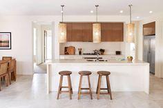 Hemos Seleccionado las mejores cocinas y baños de Casas Boutique, con muestras de espesores variados de superficies de Caesarstone.