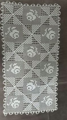This Pin was discovered by Kez Crochet Table Runner, Crochet Tablecloth, Unique Crochet, Vintage Crochet, Filet Crochet, Knit Crochet, Crochet Designs, Crochet Patterns, Crochet Dollies