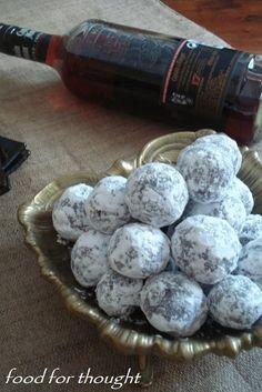 Food for thought: Τρουφάκια με ρούμι και καρύδι