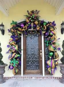 Beautiful Mardi Gras door decor