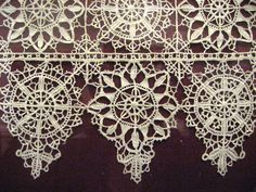 Google Image Result for http://upload.wikimedia.org/wikipedia/commons/5/50/Victoria_and_albert_-_white_on_red_lace_(4355719590).jpg
