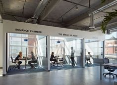 Dropbox hired Geremia Design and Boor Bridges Architecture to design its new office space in San Francisco, and the look is industrial and. Small Space Office, Office Space Design, Office Interior Design, Office Spaces, Creative Office Space, Workspace Design, Open Spaces, Bridges Architecture, Architecture Office