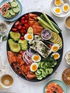 20 modern Passover recipes for your Seder feast like this Smoked Salmon Platter recipe. 20 modern Passover recipes for your Seder feast like this Smoked Salmon Platter recipe. Smoked Salmon Platter, Smoked Salmon Appetizer, Smoked Salmon Recipes, Smoked Salmon Salad, Seder Meal, Breakfast Platter, Salmon Breakfast, Breakfast Buffet, Snack Platter
