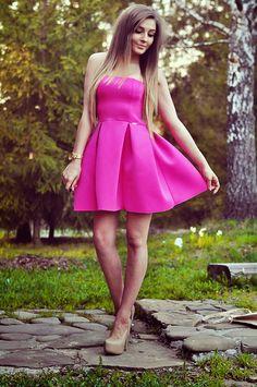 Styleev: PINK DRESS