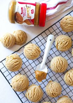 Biscoff Cloud Cookies…soft, thick and loaded with Biscoff flavor! Super easy t… Biscoff Cloud Cookies … weich, dick und voller Biscoff-Geschmack! Butter Cookies Recipe, Yummy Cookies, Yummy Treats, Sweet Treats, Cookies Soft, Biscoff Cookie Butter, Biscoff Cookies, Madelines Cookies, Biscoff Cake