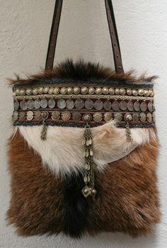 IMG_0797a.jpg (1077×1600) Handmade Handbags & Accessories - amzn.to/2ij5DXx Handmade Handbags & Accessories - http://amzn.to/2iLR27v