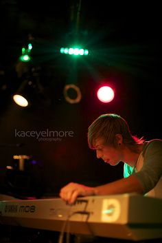 kaceyelmore #photography #music #lighting #keyboard