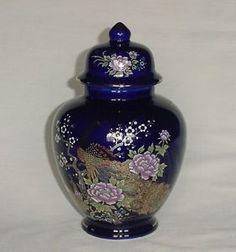 BEAUTIFUL VINTAGE COBALT BLUE PEACOCK PEA HEN & FLORAL GINGER JAR VASE