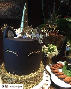 Black and gold Unicorn cake (birthday treats for girls) Pretty Cakes, Cute Cakes, Beautiful Cakes, Amazing Cakes, Cake Cookies, Cupcake Cakes, Bolo Tumblr, Bolo Cake, Unicorn Birthday
