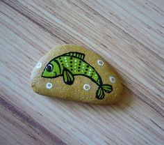 malovaný kamínek RYBIČKA