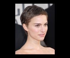 The chic pixie on Natalie Portman made those golden brown eyes sparkle.