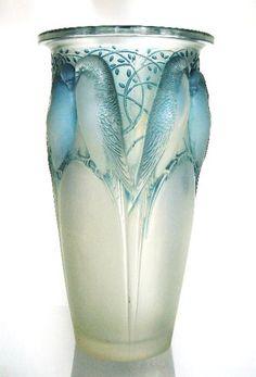 Art Nouveau-Ceylan Bird Vase Blue Hues-Luxurydotcom via: Art Nouveau, Cristal Art, Objets Antiques, Jugendstil Design, Art Of Glass, Glass Ceramic, Antique Glass, Belle Epoque, Colored Glass