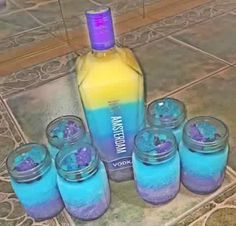 Easy DIY Movie Night Food Ideas at Home with the Kids – Kuchen-Rezepte Candy Drinks, Liquor Drinks, Fun Drinks, Yummy Drinks, Shots Drinks, Liquor Shots, Vodka Drinks, Alcoholic Beverages, Dessert Drinks