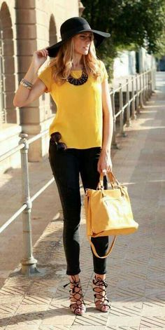 Simple Summer to Spring Outfits to Try in 2019 – Prettyinso Chic Outfits, Spring Outfits, Trendy Outfits, Fashion Outfits, Womens Fashion, Looks Style, Casual Looks, Work Fashion, Fashion Looks