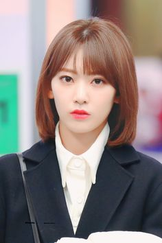 "◈ do not edit"" Yuri, Sakura Miyawaki, Japanese Girl Group, Fandom, Girl Bands, Cool Girl, Hairstyle, Celestial, Portrait"