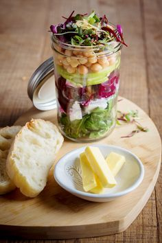 New on our menu; pickled and in a glass jar. Fresh and delicious. Chickpea Salad, Beetroot, Glass Jars, Pickles, Danish, Feta, Burgundy, Healthy Eating, Restaurant